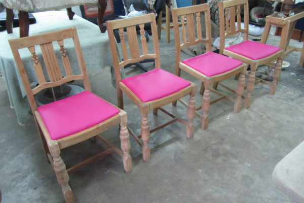 Upholstery Evening Class with Hannah Weston Smith – Dining Chair