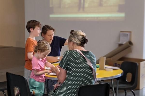 Family Workshop: Michael Shaw – 3D colour dimensions